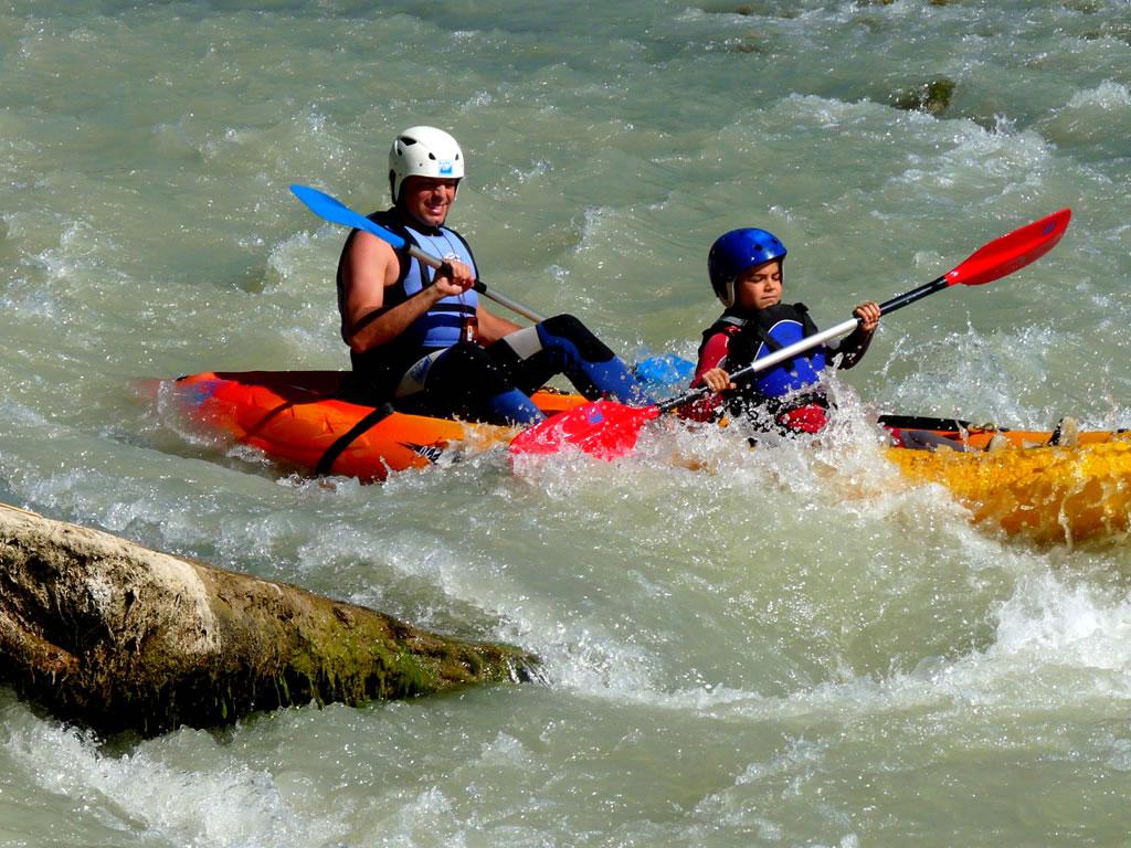 Canoa en familia rio en Huesca