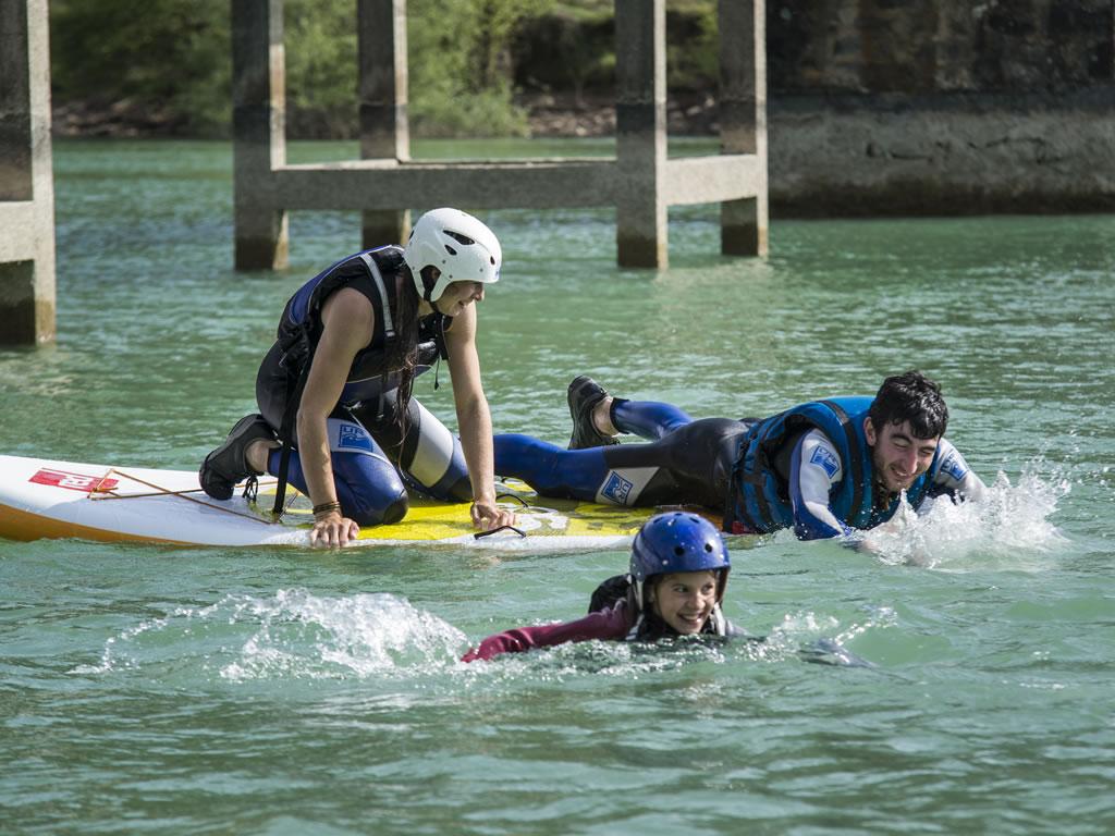 Paddle surf en familia pirineo